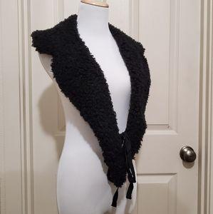 Universal Thread faux sherpa black collar